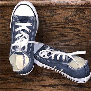 Pre-loved MINT CONDITION kids Denim Converse